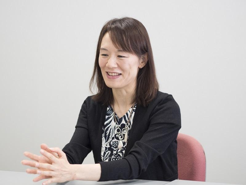 宮下奈都さん著者近影・画像2