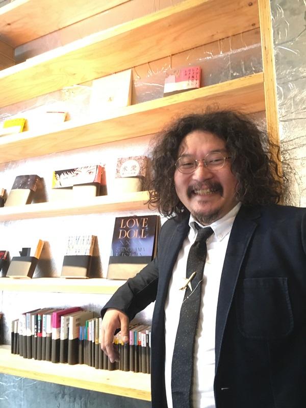 歌舞伎町ブックセンター、エディトリアル・ジェットセットの柳下恭平さん近影、画像