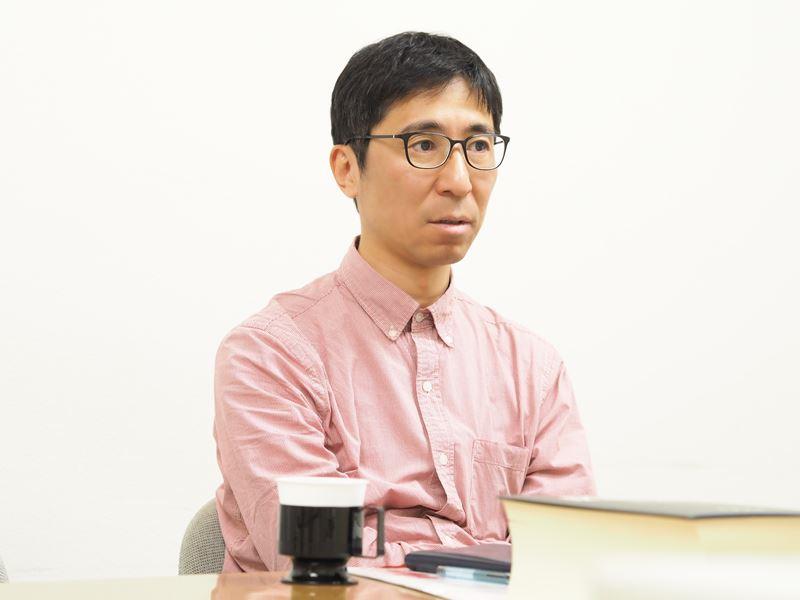 岩波書店本社にて辞典編集部副部長平木靖成さん