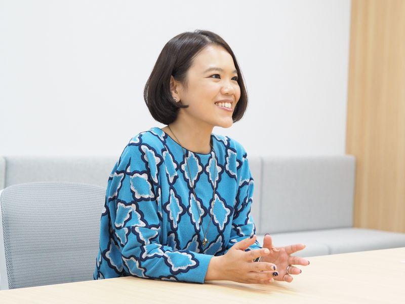 辻村深月さん近影.9