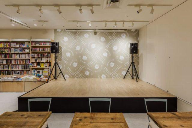 "HMV&BOOKS ""HIBIYA COTTAGE(日比谷コテージ)""ステージ"